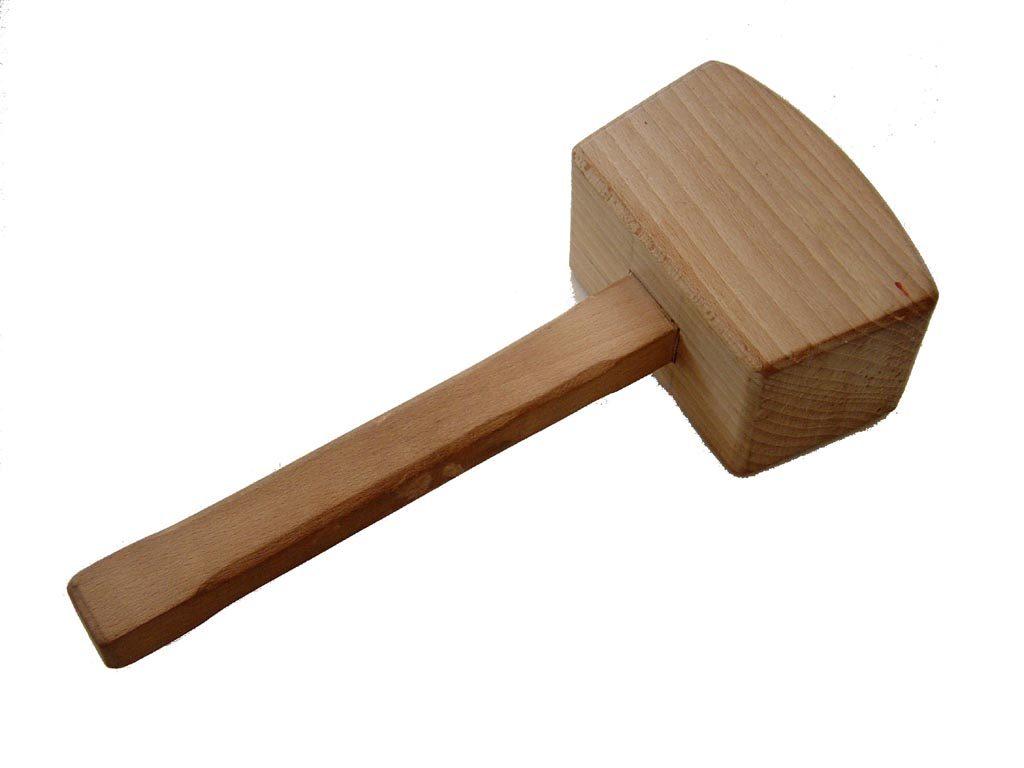 Фото: деревянная колотушка столяра