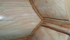 Конопатка сруба джутом