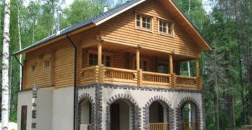 Фото: Комбинация кирпича и бруса | дом